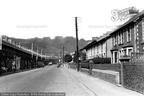 Photo of Pontymister, Commercial Street c.1955
