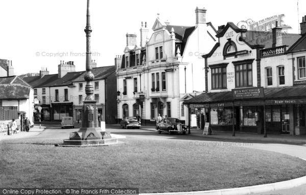 Photo of Pontypool, Clarence Corner c.1960