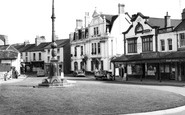 Pontypool, Clarence Corner c1960
