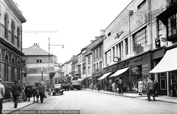 Photo of Pontypool, Commercial Road c.1955