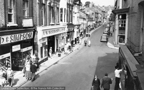 Photo of Pontypool, George Street c.1960