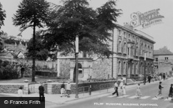 Pontypool, Municipal Buildings c.1960
