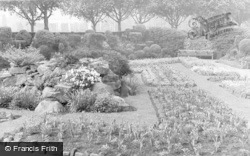 Pontypridd, Floral Gardens, Ynysangharad Park c.1950