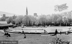 Pontypridd, Paddling Pool, Ynysangharad Park c.1960