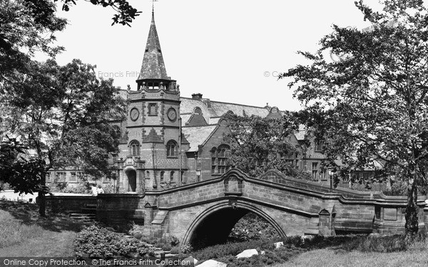 Port Sunlight, Dell Bridge and the Lyceum c1955