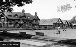 Port Sunlight, Hulme Hall And Bowling Green c.1955