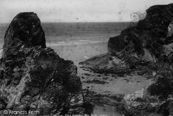 Black Humphrey Rock 1899, Porth