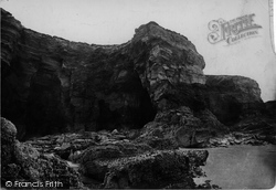 Cathedral Cavern 1887, Porth