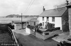 Post Office And Stores 1937, Porth