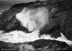 The Blowing Hole 1912, Porth