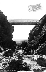 The Bridge 1887, Porth