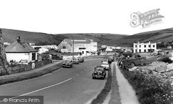 The Coast Road c.1960, Porth