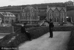 The Village 1899, Porth