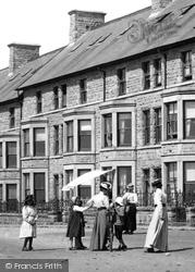 Marine Terrace, People  1901, Porthcawl