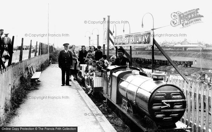 Photo of Porthcawl, Miniature Railway 1938