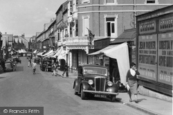 Motor Car, John Street 1938, Porthcawl