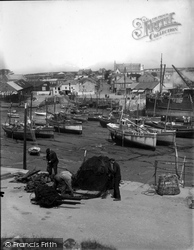 Porthleven, Fishermen Preparing The Nets 1935