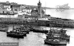 Porthleven, The Harbour And Bickford-Smith Institute 1928