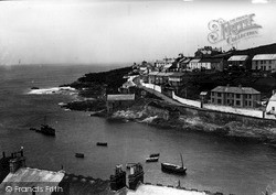 Porthleven, The Harbour Entrance c.1933