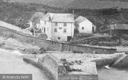 Porthleven, The Ship Inn 1924