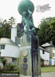 Portmeirion, Hercules Statue 1976