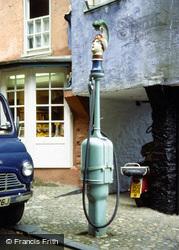 Portmeirion, Petrol Pump 1976