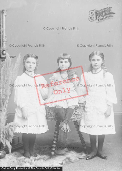 Photo of Portraiture, Misses Burnell, Summerlands Yeovil c.1895