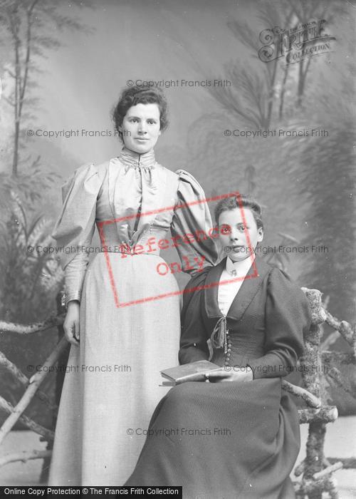 Photo of Portraiture, Misses Ham 1895