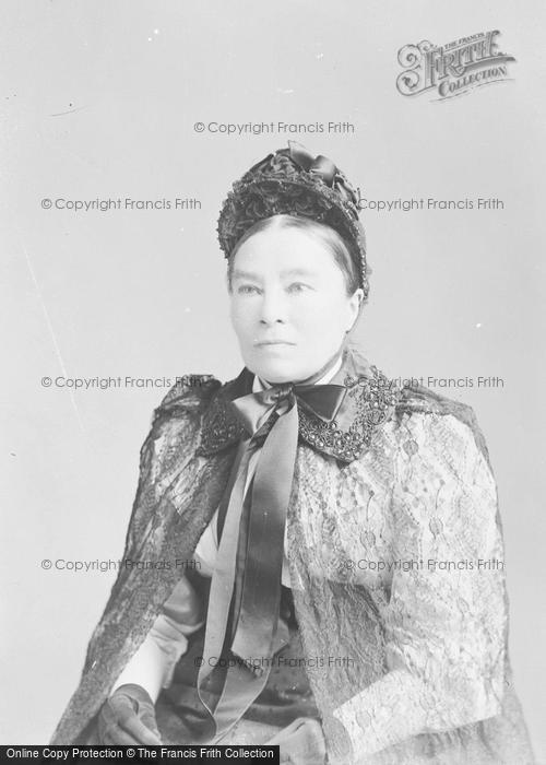 Photo of Portraiture, Mrs Cains 1895