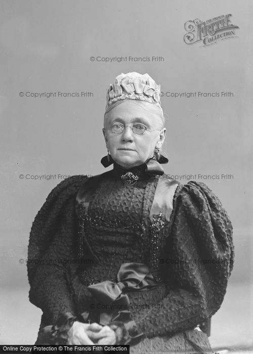 Photo of Portraiture, Mrs Feaver, West Camel 1896