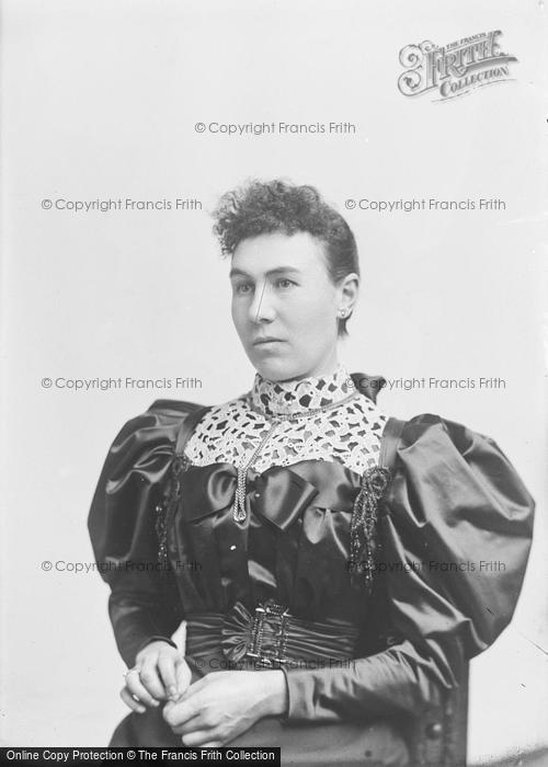 Photo of Portraiture, Mrs Gould 1895