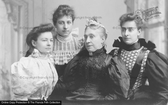 Photo of Portraiture, The Miss And Mrs Griffins 1895