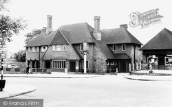"Potters Bar, ""The Potters Bar"" c.1965"