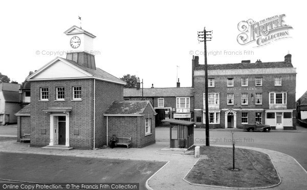 Photo of Potton, Market Square c.1955