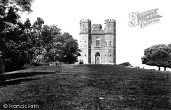 Castle 1906, Powderham