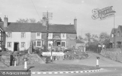Powick, Upton Road, The Red Lion Inn c.1955