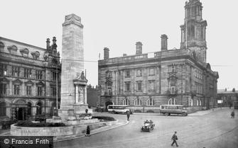 Preston, the County Sessions House and  War Memorial 1926