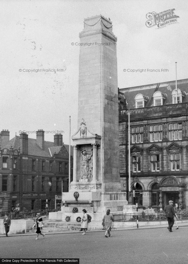 Preston, the War Memorial c1960