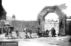 Princetown, Dartmoor Prison Gate & Convicts 1890