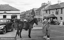 The Square c.1955, Princetown