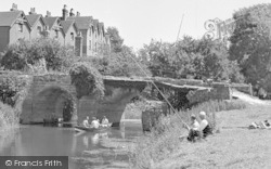 Pulborough, the River Arun, a Leisurely Afternoon c1950