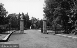 Purley, Entrance To Rose Walk c.1965