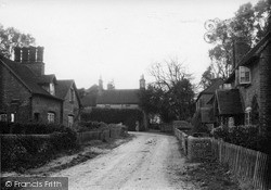 Purley, The Village c.1955