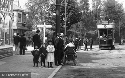 Purley, Waiting For A Tram 1903