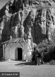 Cave Dwelling 1960, Purullena