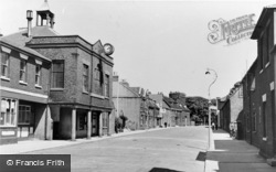 Queenborough, High Street c.1955