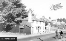 Radlett, The Cat And Fiddle c.1955