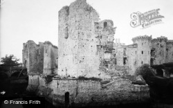 Raglan, Castle 1931