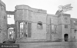 Raglan, Castle, Banqueting Hall Window 1931