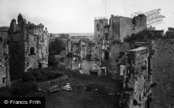 Raglan, Castle, Fountain Court And Keep 1931